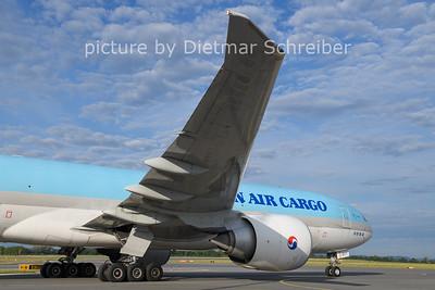 2021-08-03 HL8077 Boeing 777-200 Korean Air