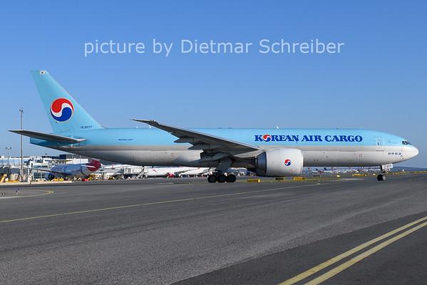 2020-11-21 HL8077 Boeing 777-200 Korean Air
