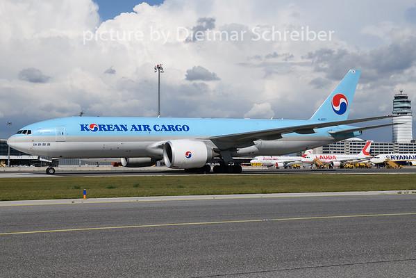2020-08-19 HL8077 Boeing 777-200 Korean Air