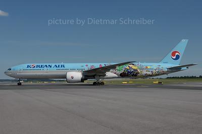 2016-06-22 HL8209 Boeing 777-300 Korean Air