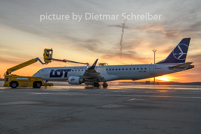 2020-02-13 SP-LNK Embraer 195 LOT