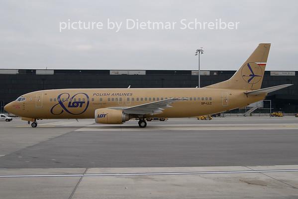 2009-12-14 SP-LLC Boeing 737-400 LOT