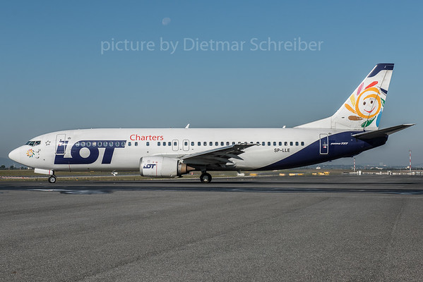 2015-10-01 SP-LLE Boeing 737-400 LOT Charters