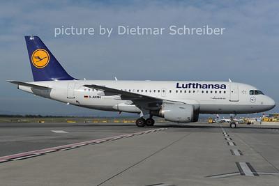 2012-10-15 D-AKNH Airbus A319 Lufthansa