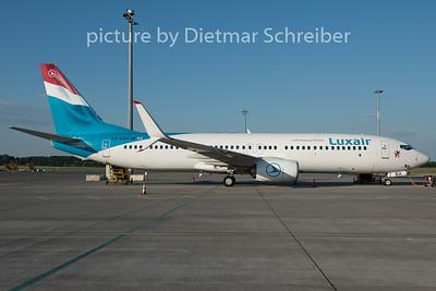 2015-06-04 LX-LBA Boeing 737-800 Luxair