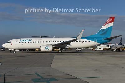 2015-01-28 LX-LGV Boeing 737-800 Luxair