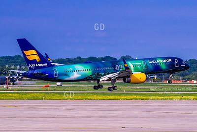 Aurora Borealis 757 at MSP