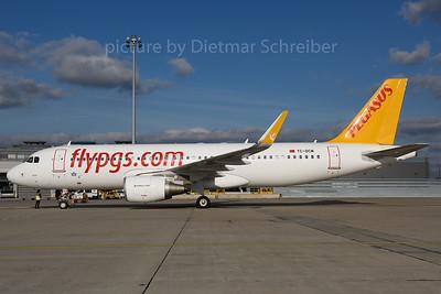 2017-11-14 TC-DCM Airbus A320 Pegasus