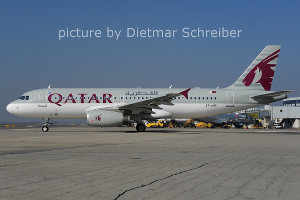 2014-03-12 A7-AHR Airbus A320 Qatar Airways
