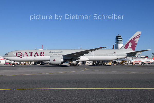 2020-11-18 A7-BAK Boeing 777-300 Qatar Airways
