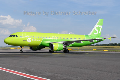 2019-06-18 VP-BCS Airbus A320 S7 Airlines