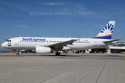 2019-09-11 LY-VEI Airbus A320 Sunexpress