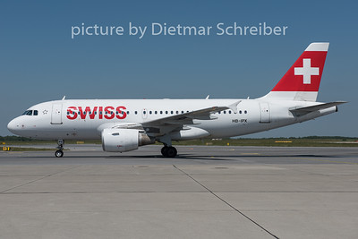 2015-06-05 HB-IPX AIrbus A319 Swiss