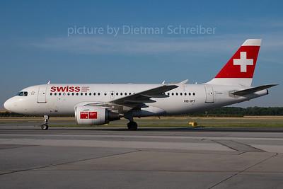 2007-06-20 HB-IPT Airbus A319 Swiss