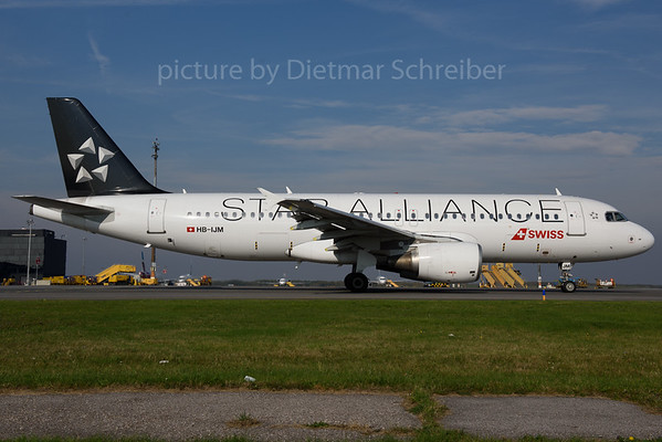2017-10-18 HB-IJM Airbus A320 Swiss