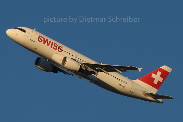 2016-12-30 HB-JLR Airbus A320 Swiss