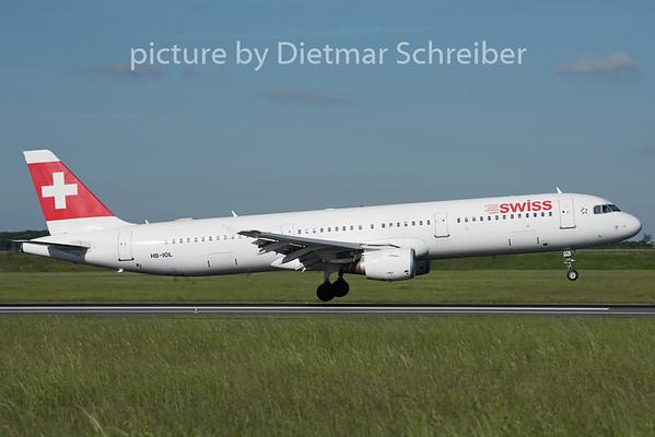 2015-05-11 HB-IOL Airbus A321 Swiss