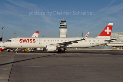 2016-10-31 HB-IOO Airbus A321 Swiss