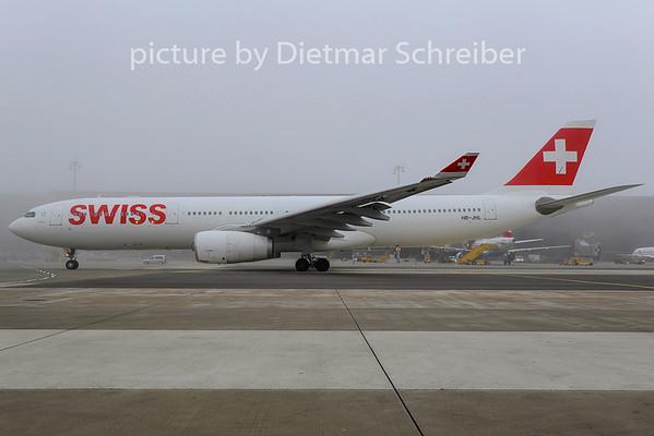 2014-01-18 HB-JHL Airbus A330-300 Swiss
