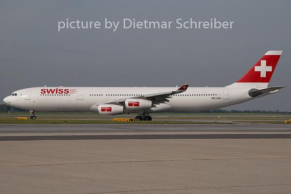 2009-09-16 HB-JMK Airbus A340-300 Swiss