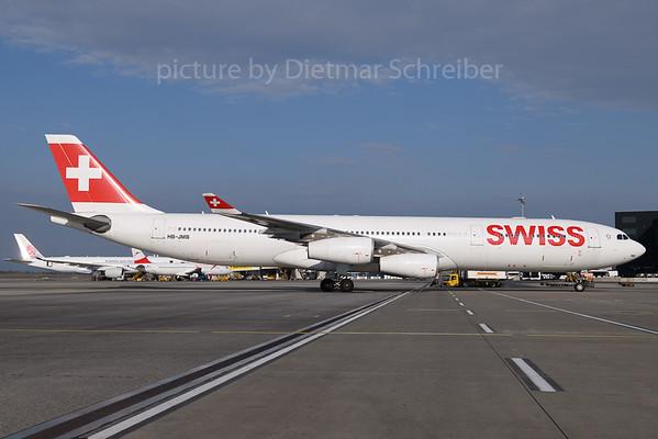 2018-04-02 HB-JMB Airbus A340-300 Swiss