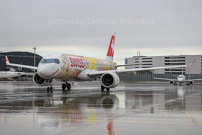 2019-11-04 HB-JCA Airbus A220-300 Swiss