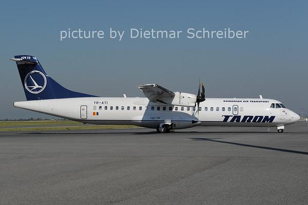 2012-06-18 YR-ATI ATR72 Tarom