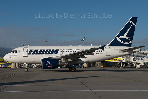 2015-12-30 YR-ASD Airbus A318 Tarom