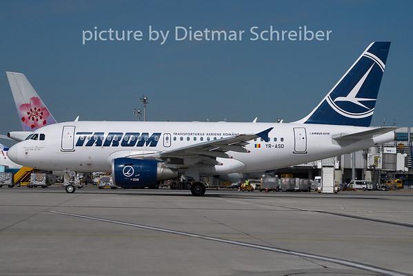2010-08-20 YR-ASD Airbus A318 Tarom