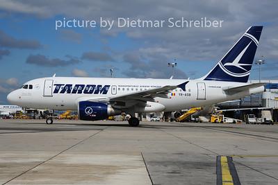 2014-06-26 YR-ASB Airbus A318 Tarom