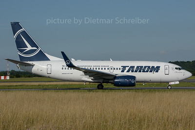 2016-06-22 YR-BGH Boeing 737-700 Tarom