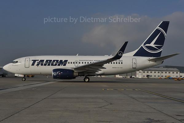 2012-01-27 YR-BGH Boeing 737-700 Taro