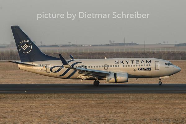 2019-01-21 YR-BGF Boeing 737-700 Tarom