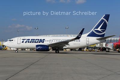 2014-03-17 YR-BGH Boeing 737-700 Tarom