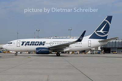 2018-08-02 YR-BGH Boeing 737-700 Tarom