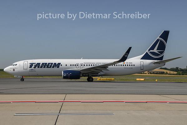 2019-06-26 YR-BGK Boeing 737-800 Tarom