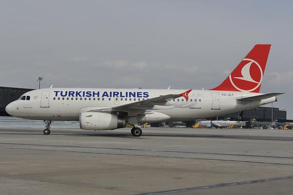 2012-03-29 TC-JLT Airbus A319 THY