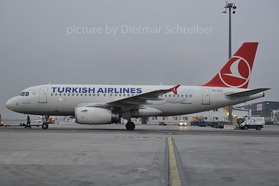 2012-01-27 TC-JLT AIrbus A319 THY