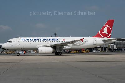 2016-05-26 TC-JPH Airbus A320 THY