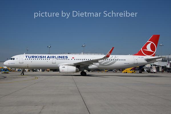 2019-08-15 TC-JTP Airbus A321 THY