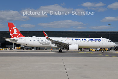 2021-08-25 TC-LSN Airbus A321neo THY