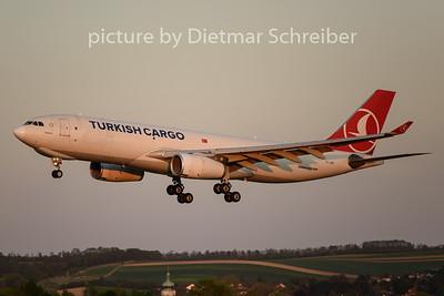 2020-04-25 TC-JDS Airbus A330-200 THY