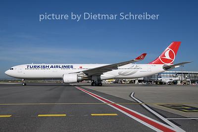 2018-09-12 TC-LNG Airbus A330-300 THY