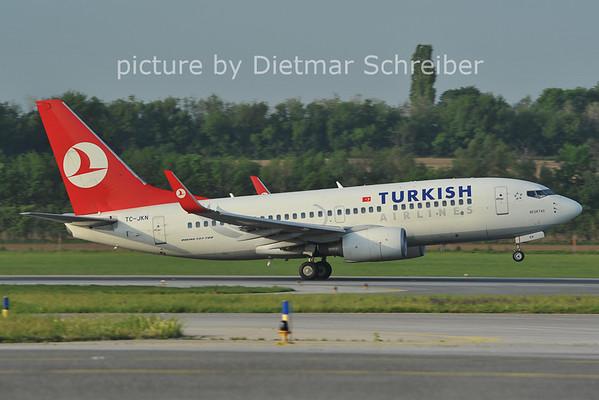 2012-05-01 TC-JKN Boeing 737-700 THY