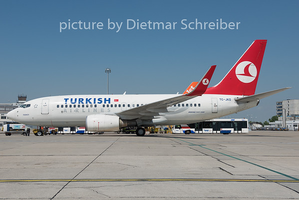 2015-06-12 TC-JKO Boeing 737-700 THY
