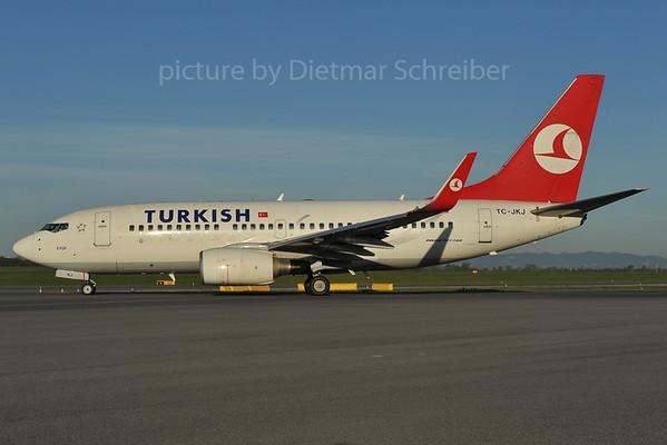 2012-04-26 TC-JKJ Boeing 737-700 THY