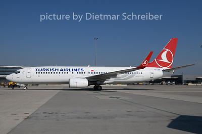 2018-10-11 TC-JGR Boeing 737-800 THY