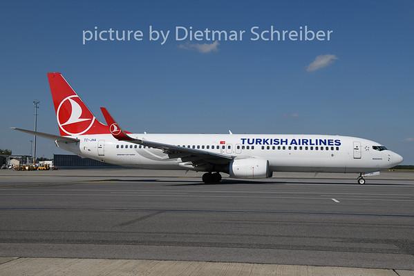 2020-08-20 TC-JHA Boeing 737-800 THY