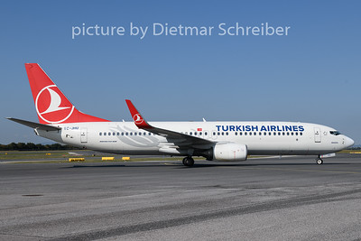 2018-08-16 TC-JHU Boeing 737-800 THY