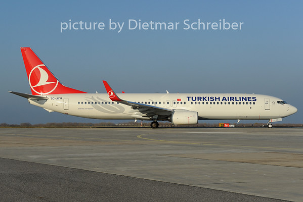 2012-11-15 TC-JYH Boeing 737-900 THY
